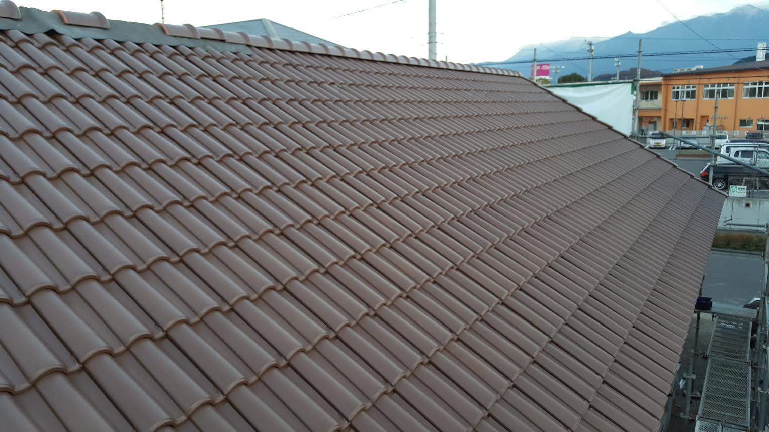 四国中央市で一軒家のリフォームをしている屋根写真