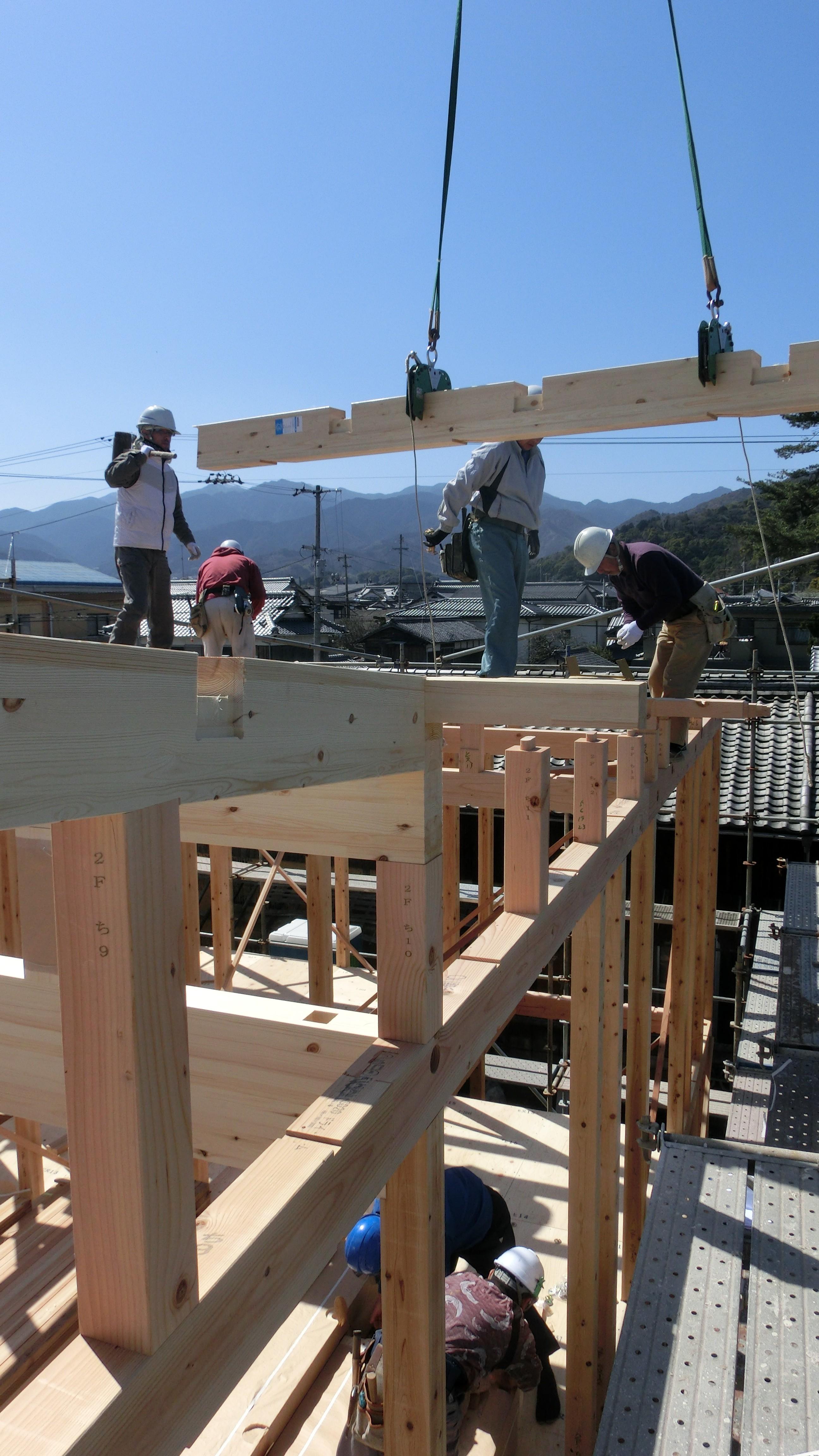 西条市で耐震の建前現場写真