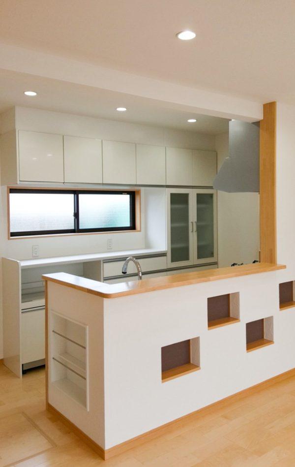 新居浜市で浴室リフォームしたお家のキッチン写真