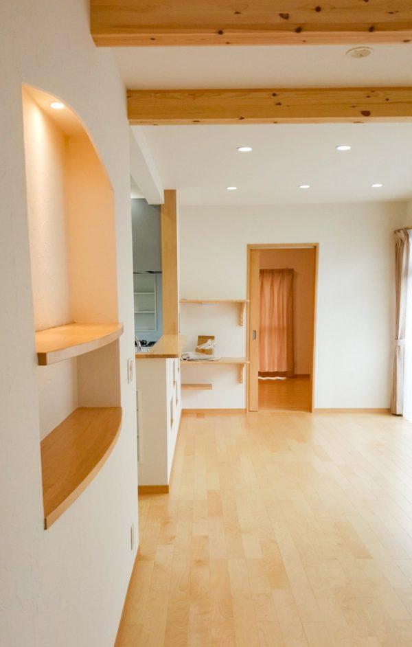 新居浜市で浴室リフォームしたお家のリビング写真