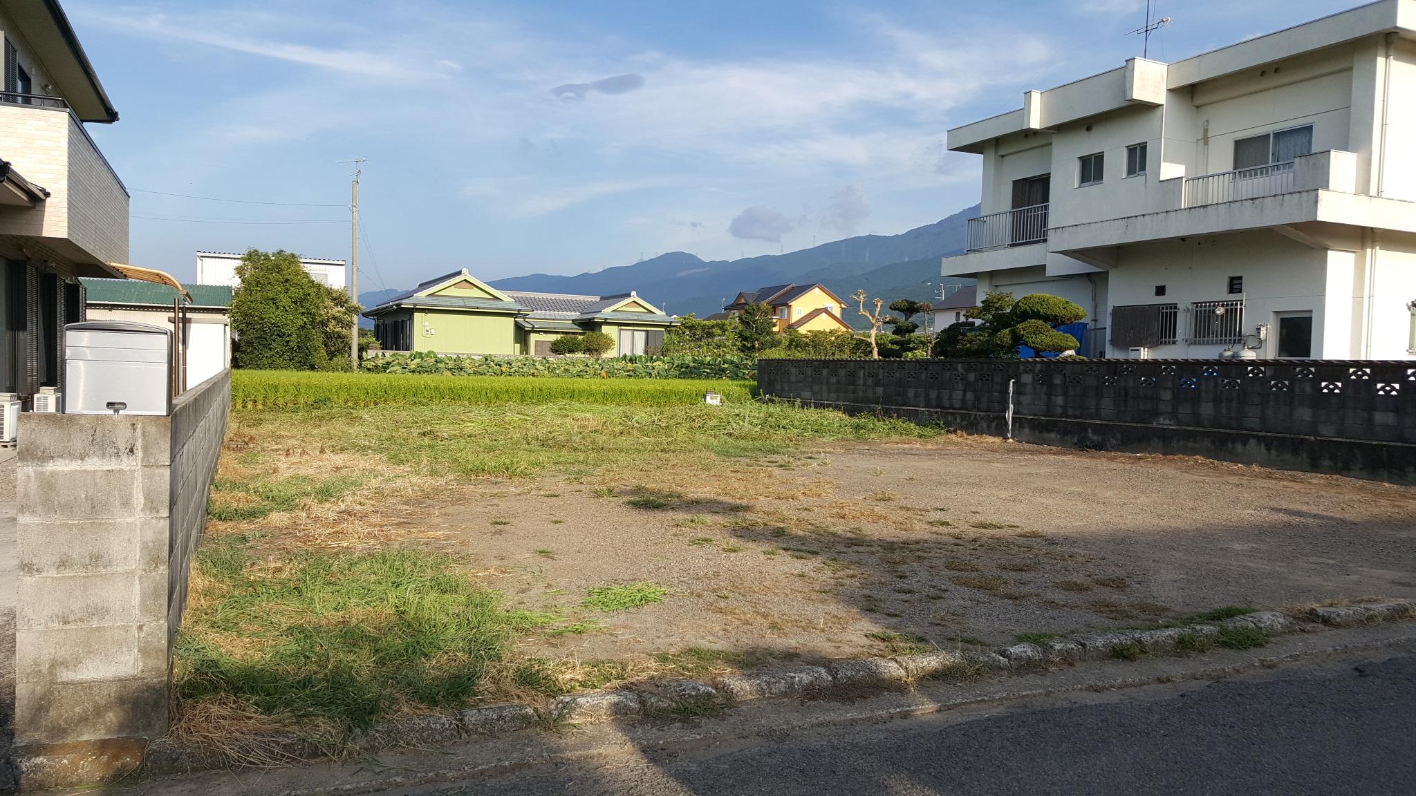 西条市でパッシブ設計の家が建つ土地写真