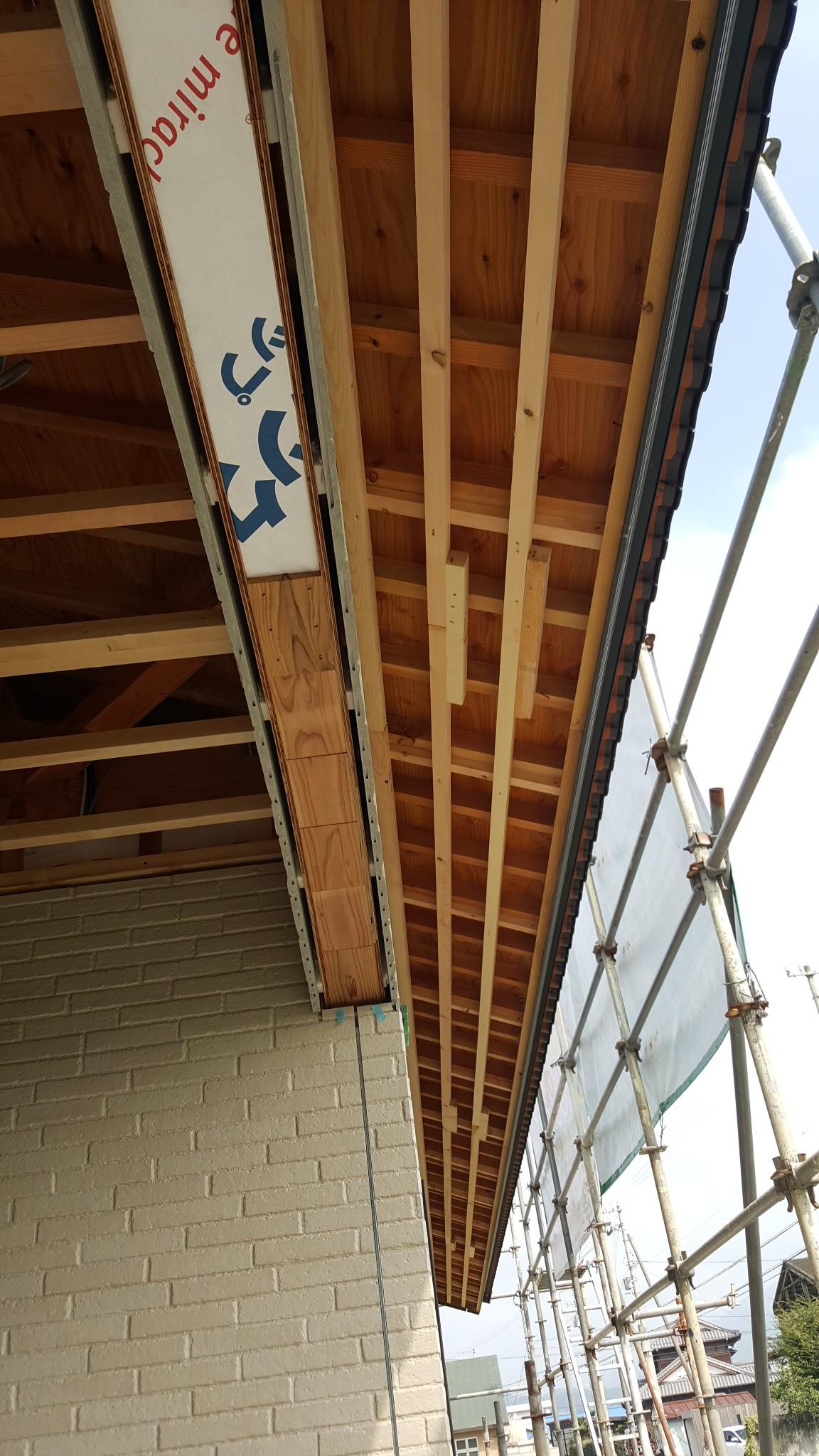 西条市で低価格の家の屋根写真