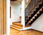 新居浜市で木造住宅の階段写真