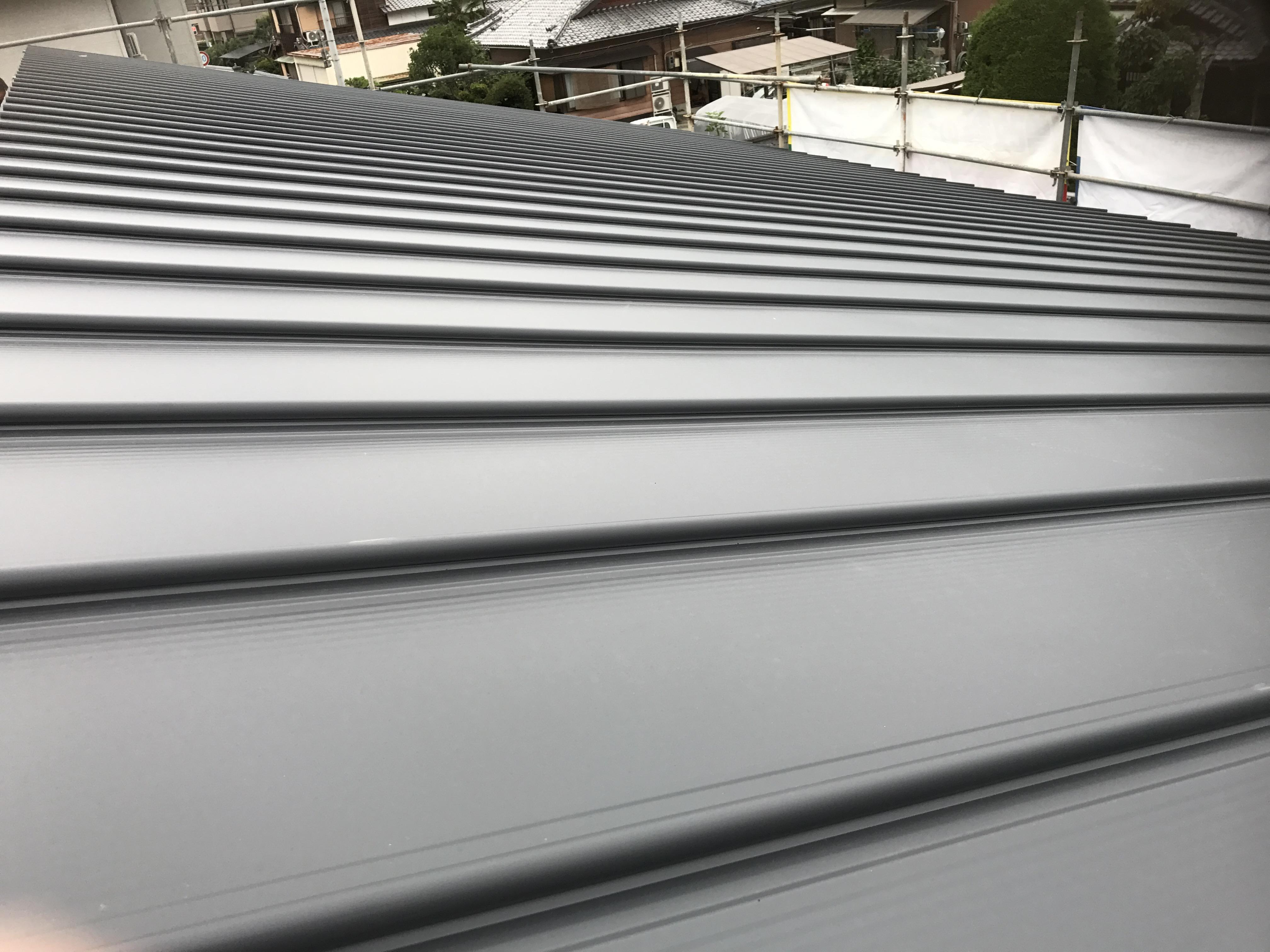 西条市で住宅間取りの屋根写真