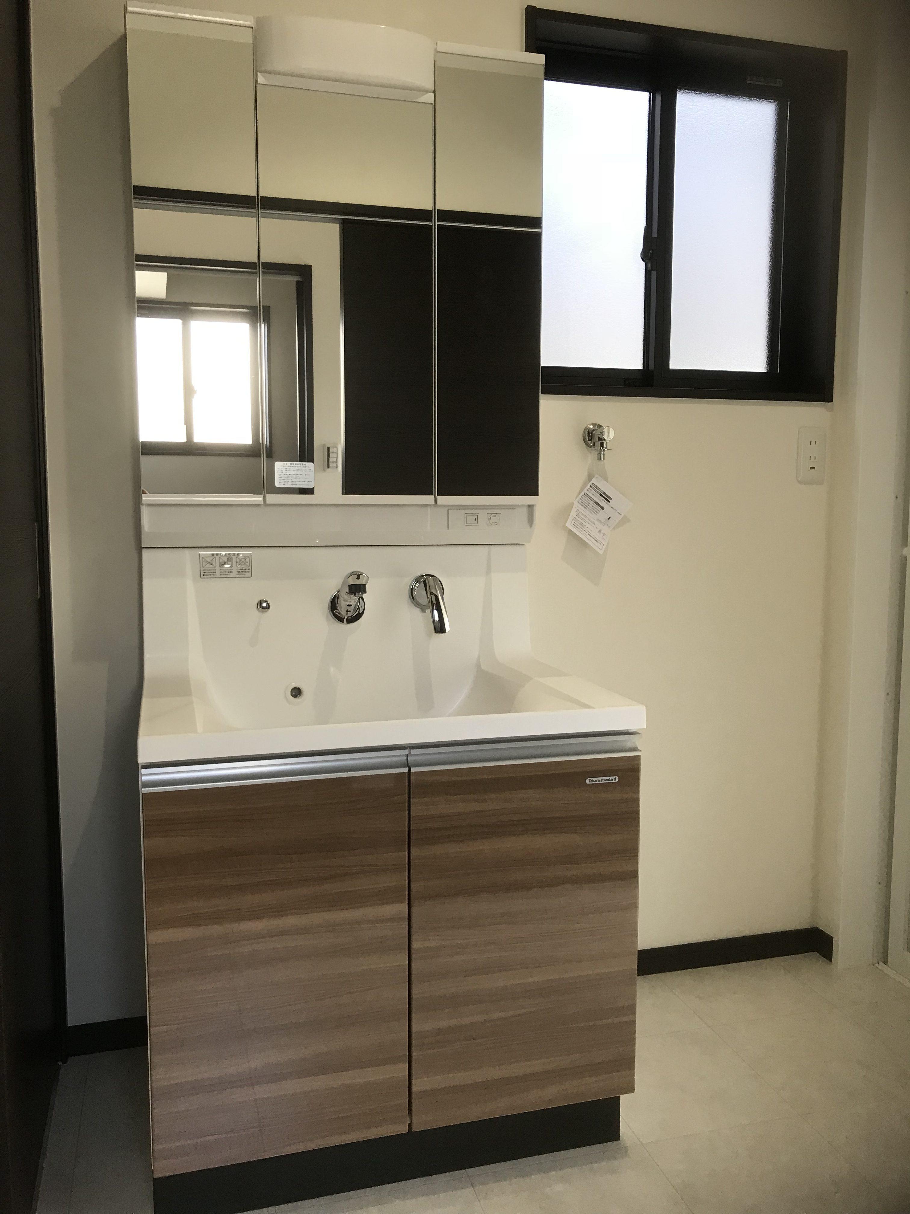 四国中央市で二階建ての家の写真の洗面台写真