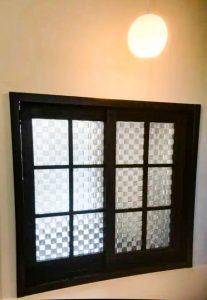 四国中央市で一軒家の窓写真