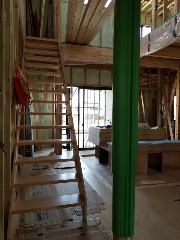 新居浜市で工務店の階段写真