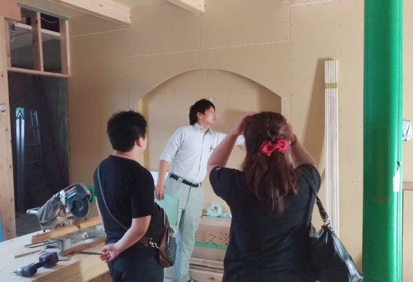 四国中央市で吹き抜けの家の現場写真