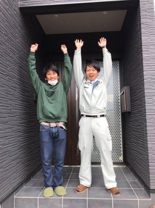 四国中央市でマイホームを建てたお客様との写真
