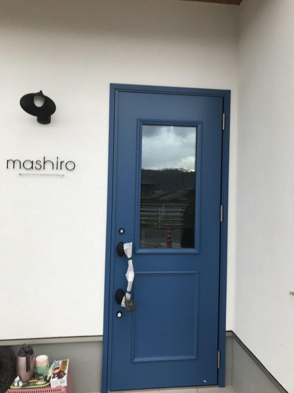 新居浜市の工務店での玄関ドア写真