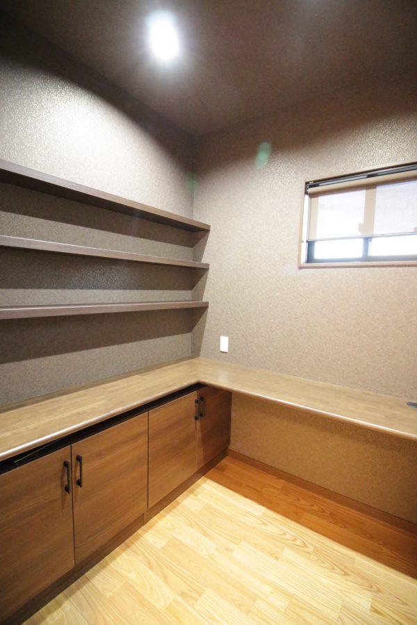 新居浜市で家づくりの書籍部屋の写真