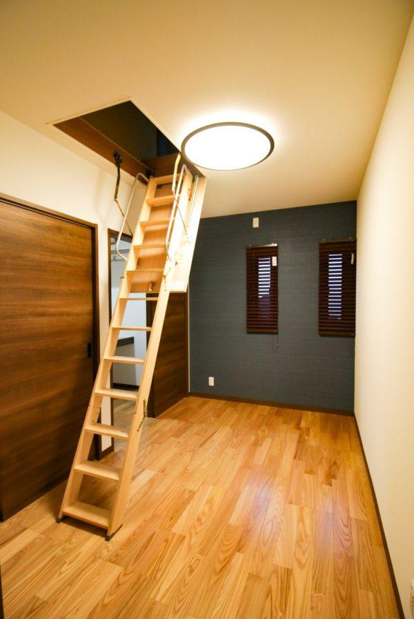 新居浜市で一軒家の寝室写真