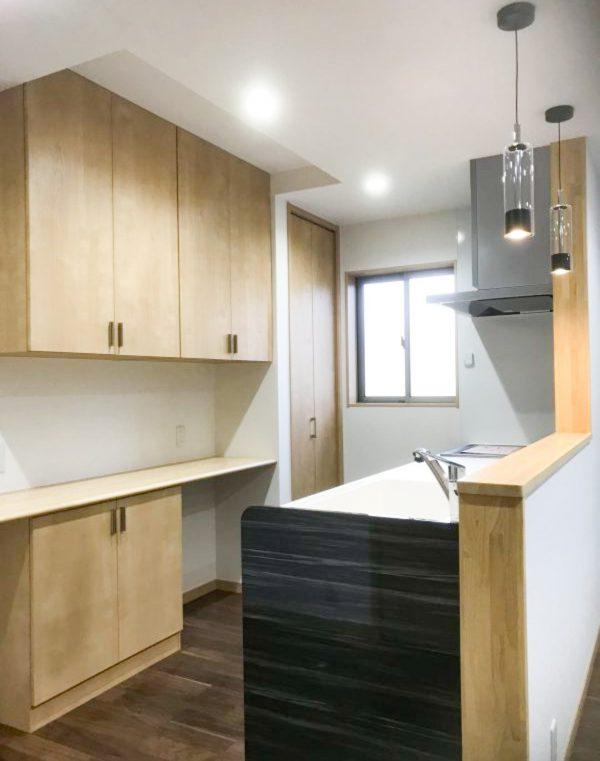西条市で内装リフォームのキッチン写真