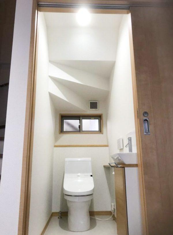 西条市で内装リフォームのトイレ写真