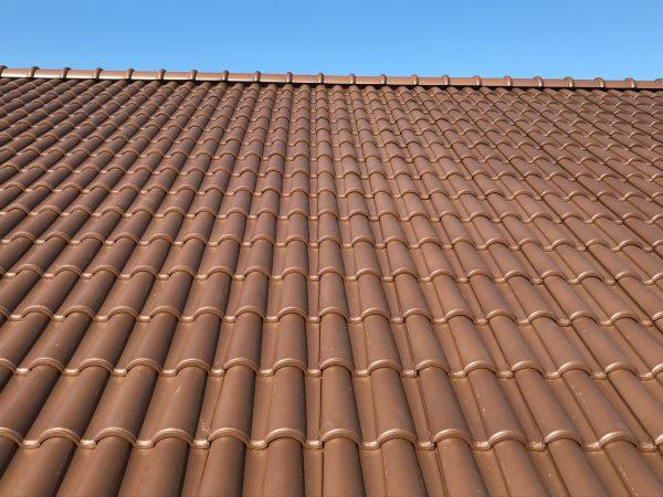 西条市でパッシブハウスの屋根写真