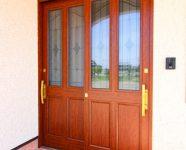 西条市で新築一戸建ての玄関ドア写真