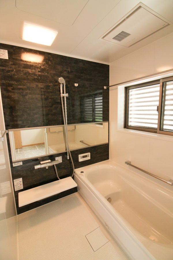 新居浜市でパッシブ住宅のお風呂写真