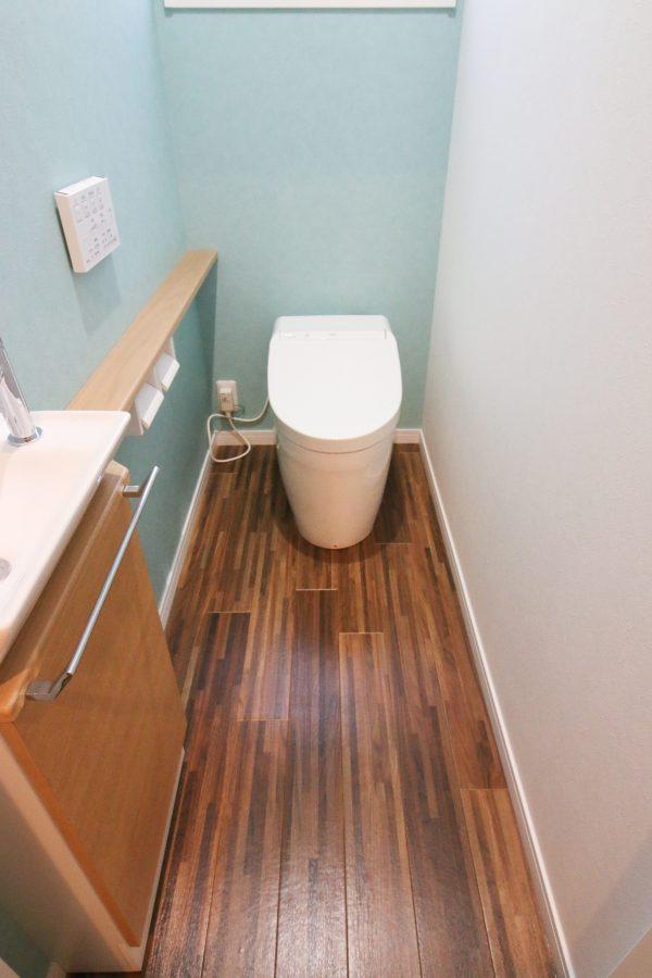 新居浜市で平屋のトイレ写真
